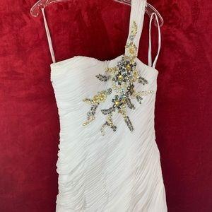 Tony Bowls prom/wedding dress one shoulder size 6